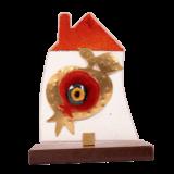 Σπίτι γυάλινο 19χ13,5 με ανάγλυφο σφυρήλατο ρόδι σε ξύλινη βαση